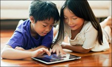 kids-using-tablet
